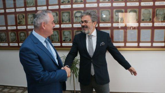 Eyüpsultan Belediye Başkanı Aydın'dan, İstanbul Millî Eğitim Müdürü Yelkenci' ye Ziyaret