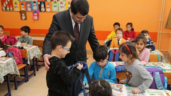İstanbul Valisi Şahin'den Sarıyer İlçesi Okullarına Ziyaret